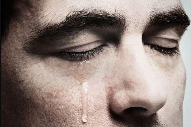 تفسيرات رؤية الدموع في المنام