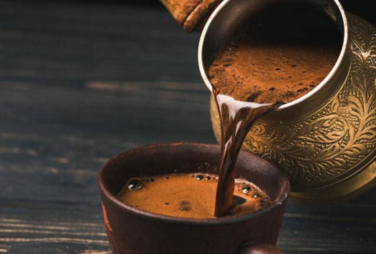 عمل القهوة في المنام