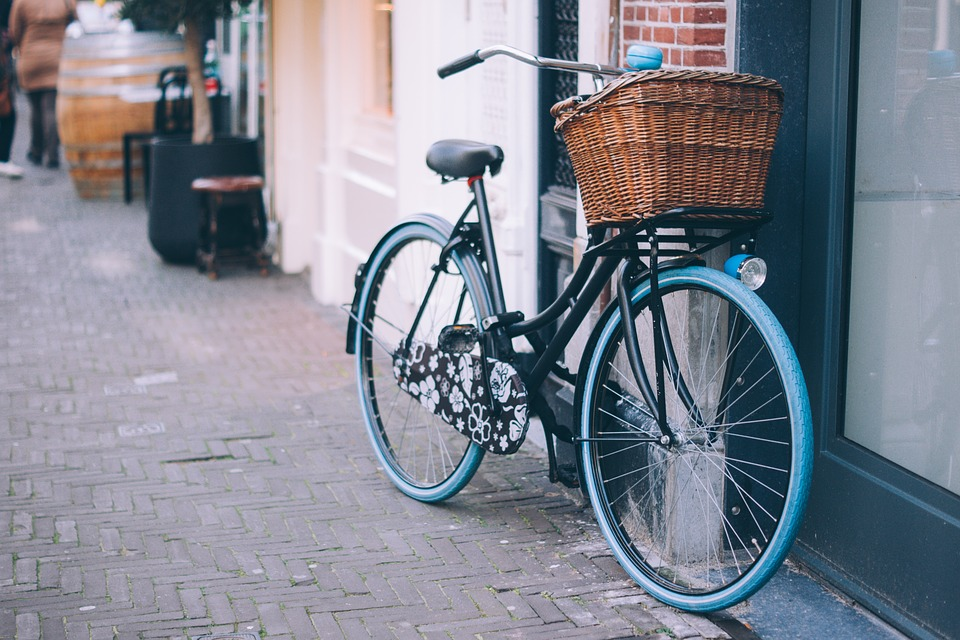 حلم ركوب الدراجة أو العجلة